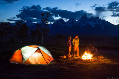 teton, summers, grand, national, park, wyoming, usa, friends, enjoying, fire, camp
