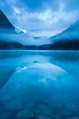 lake, louise, dawn, banff, national, park, alberta, canada, foggy, morning, iconic,