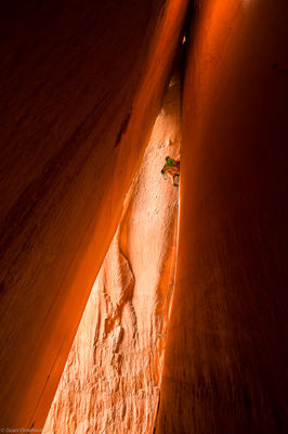 cave, route, climber, scales, 5.10, battle of the bulge, cliff, indian creek, utah