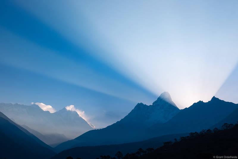 light, beams, ama dablam, godbeams, sagarmatha, national park, nepal, everest, lhotse, village, tengboche