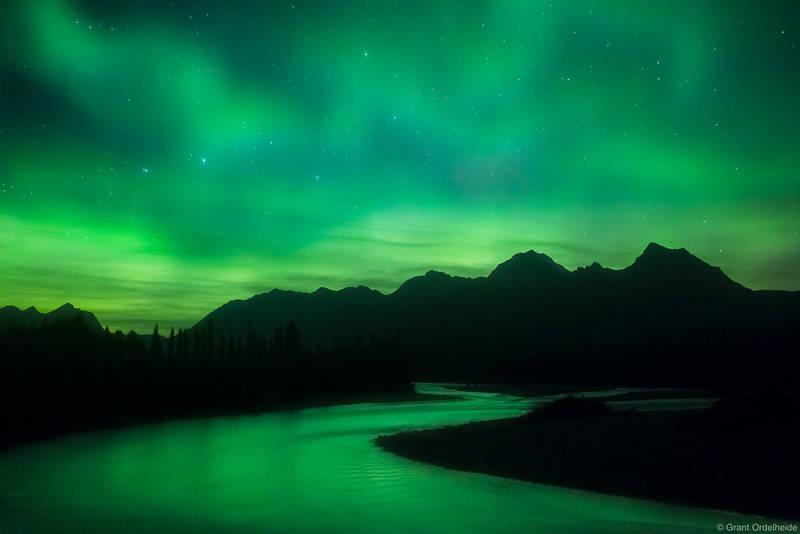 kootenay, aurora, national, park, british, columbia, snaking, river, borealis, rockies
