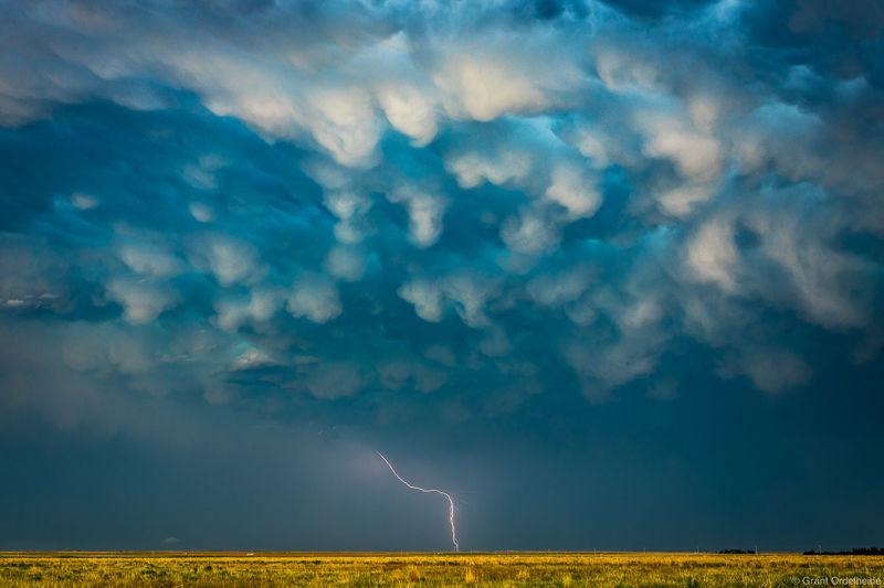 mammatus, strike, ulysses, kansas, lightning, bolt, storm, rural