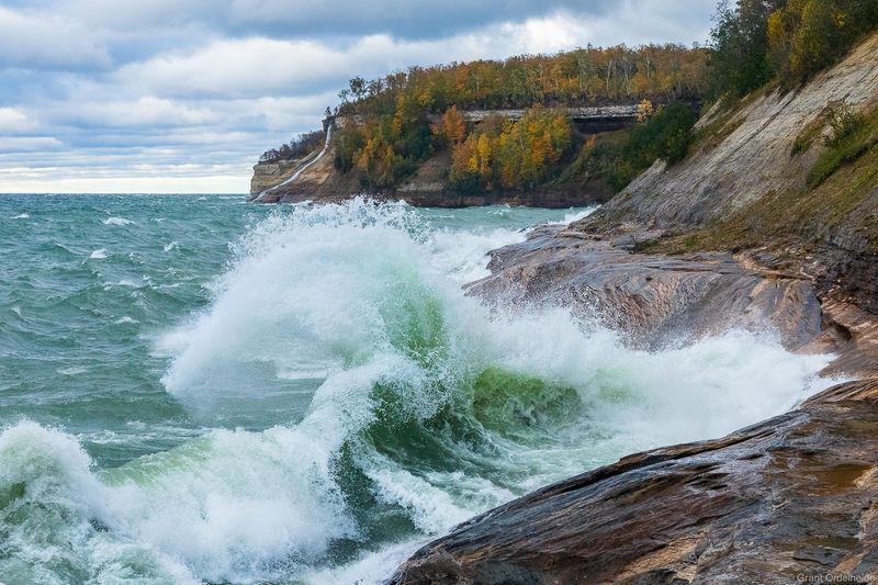 superior, wave, munising, michigan, wave, crashing, sandstone, cliffs, pictured, rocks, national, lakeshore