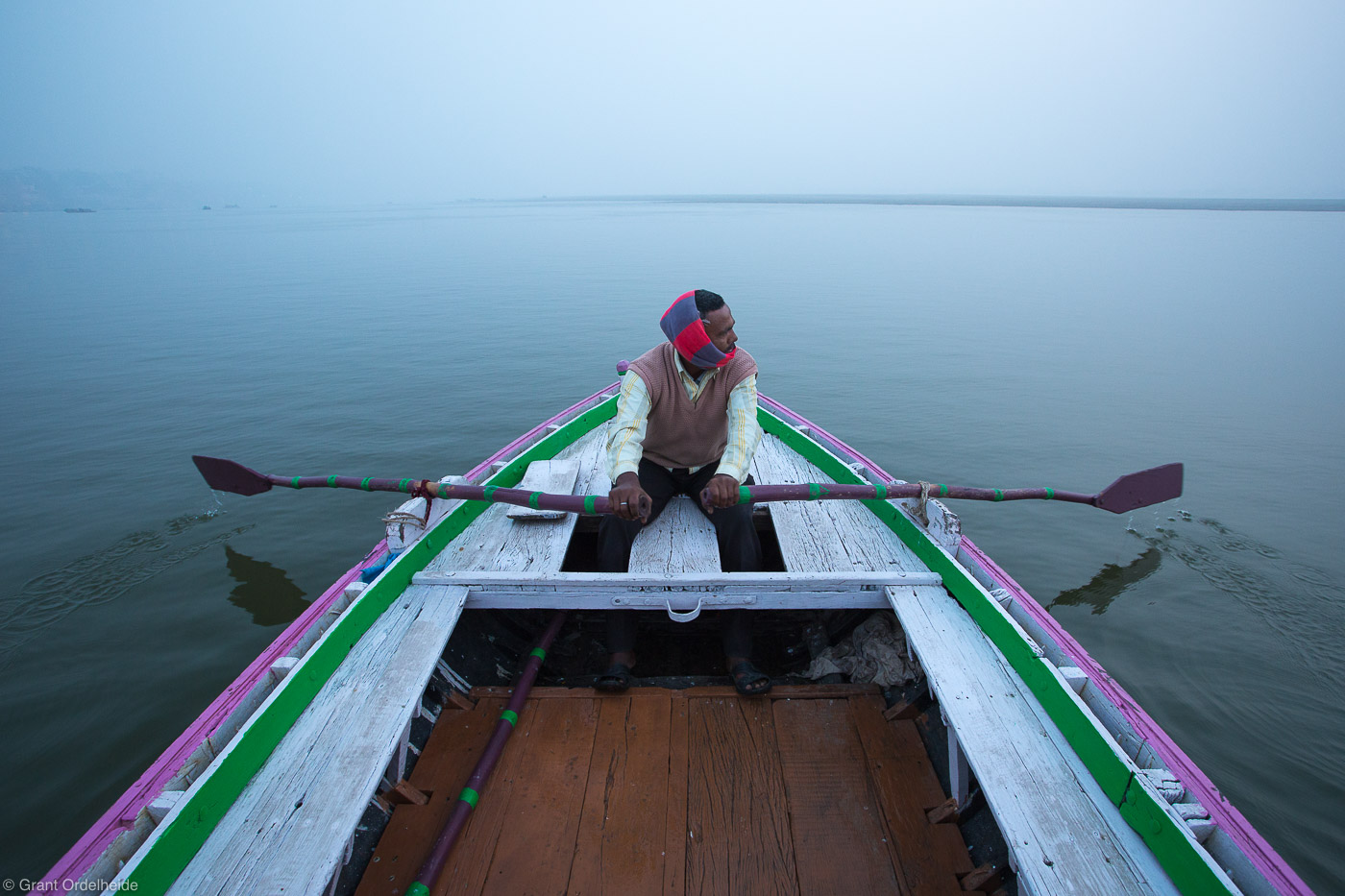rowboat, ganges, man, rows, boat, holy, river, foggy, morning, varanasi, india, photo
