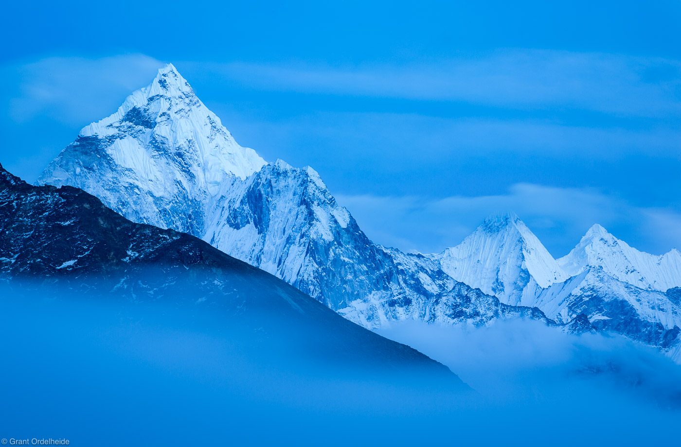 ama dablam, sagarmatha, national, park, himalaya, nepal, fog, creeps, valley, everest, evening, photo