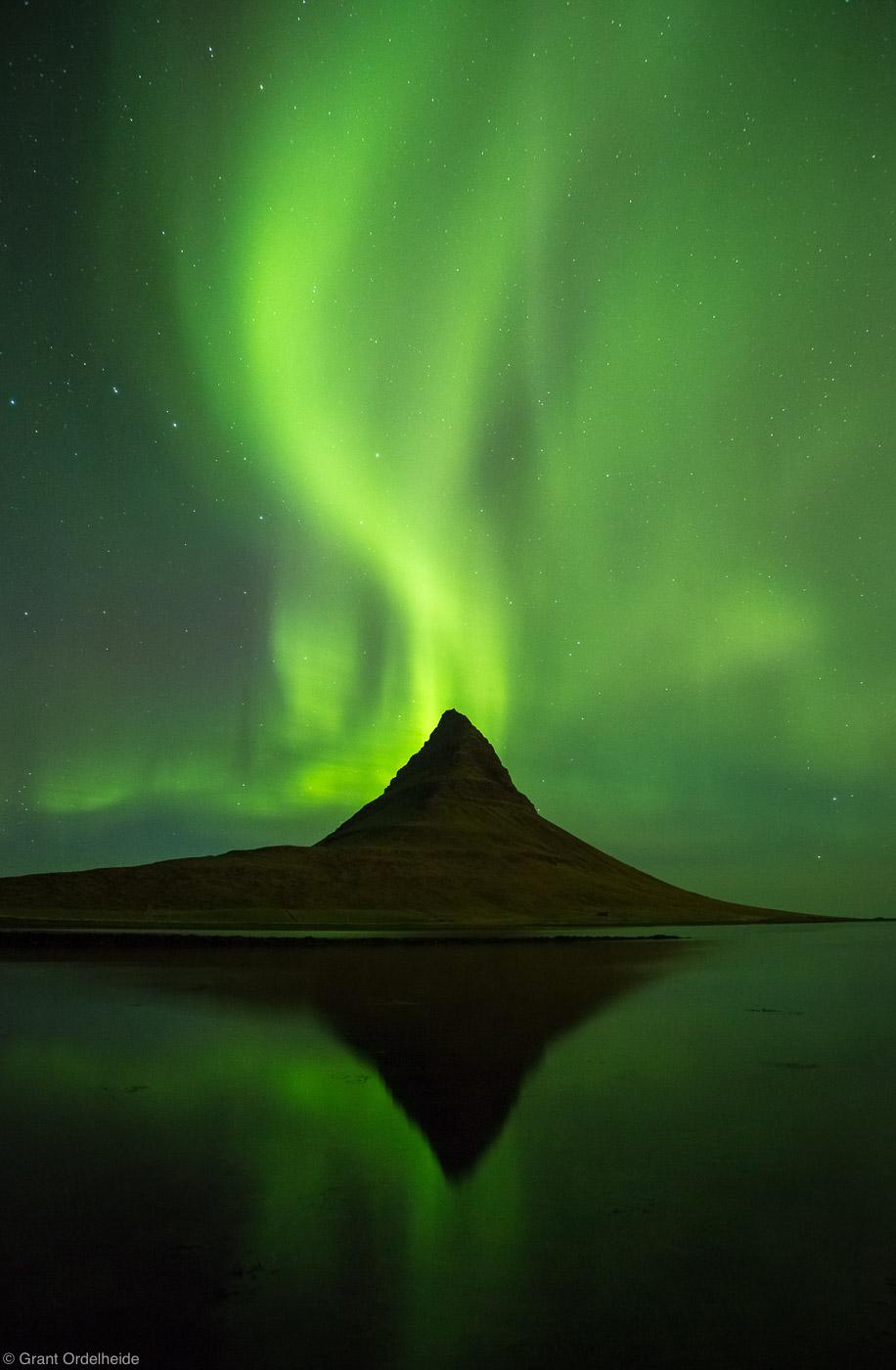 kirkjufell, northern, lights, Snæfellsnes, peninsula,Grundarfjörður, Iceland, aurora, borealis, dance, over, western, mo, photo
