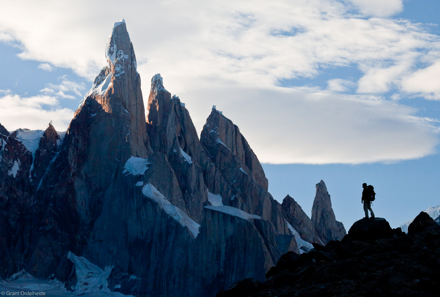 cerro, torre, el chalten, hiker, argentina, enormity