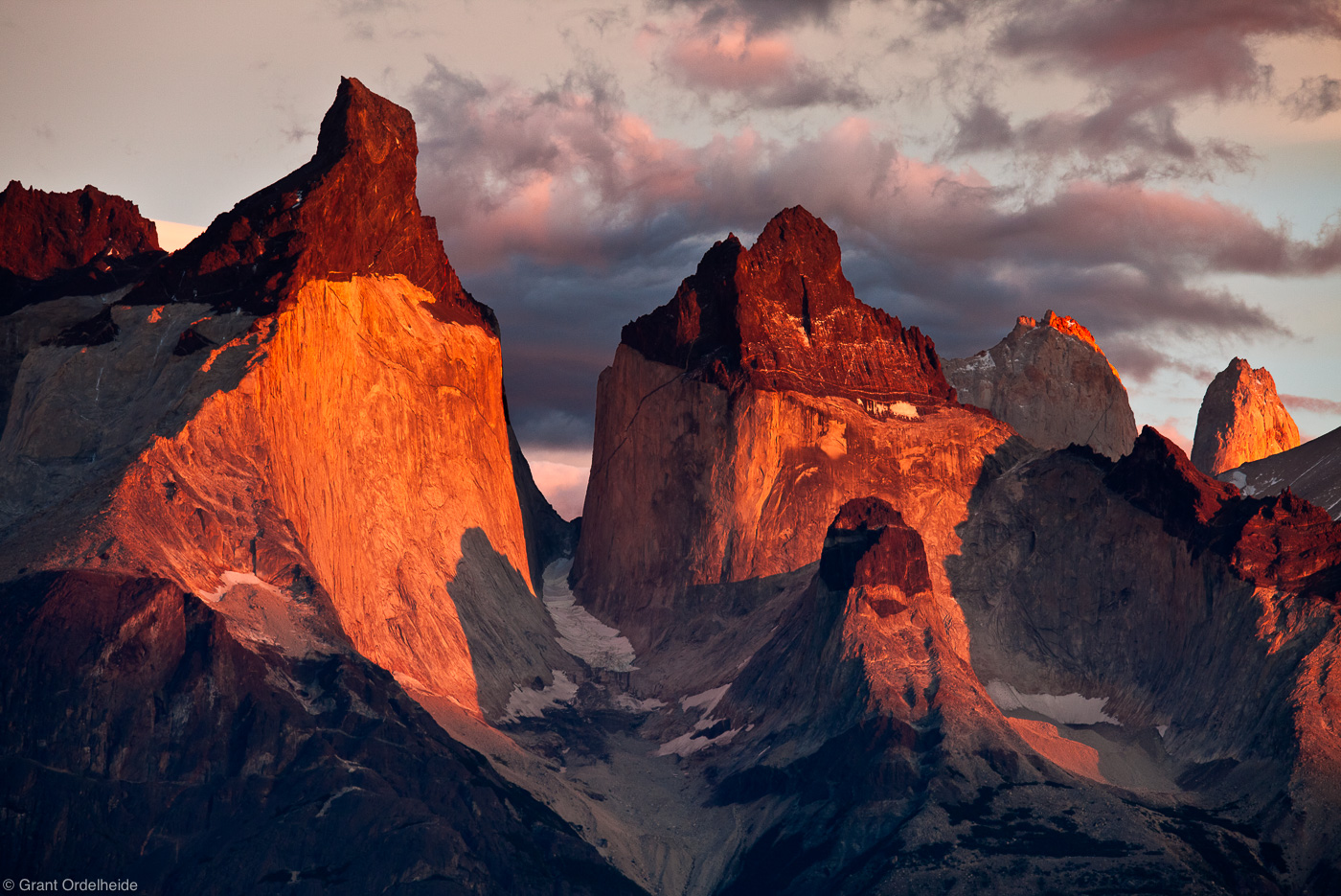 los, cuernos, torres, del, paine, famous, sunrise, lago, pehoe, photo