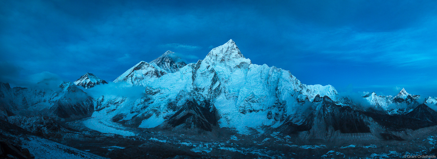 A panorama of Mount Everest, Nuptse, and the Khumbu Valley as seen from the summit of Kala Patthar.