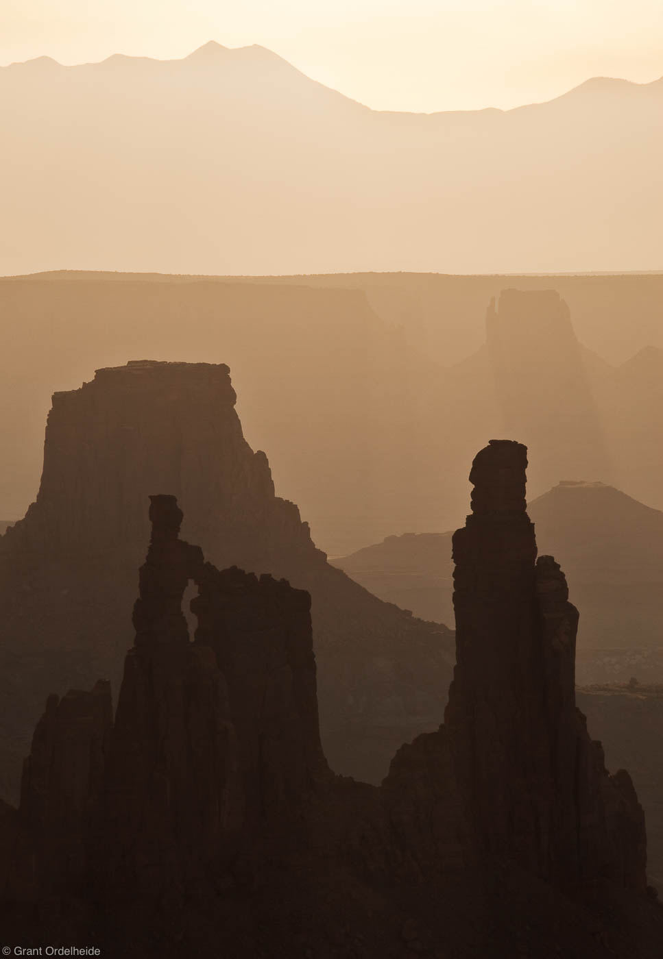 canyonlands, morning, island in the sky, national park, utah, hazy, photo