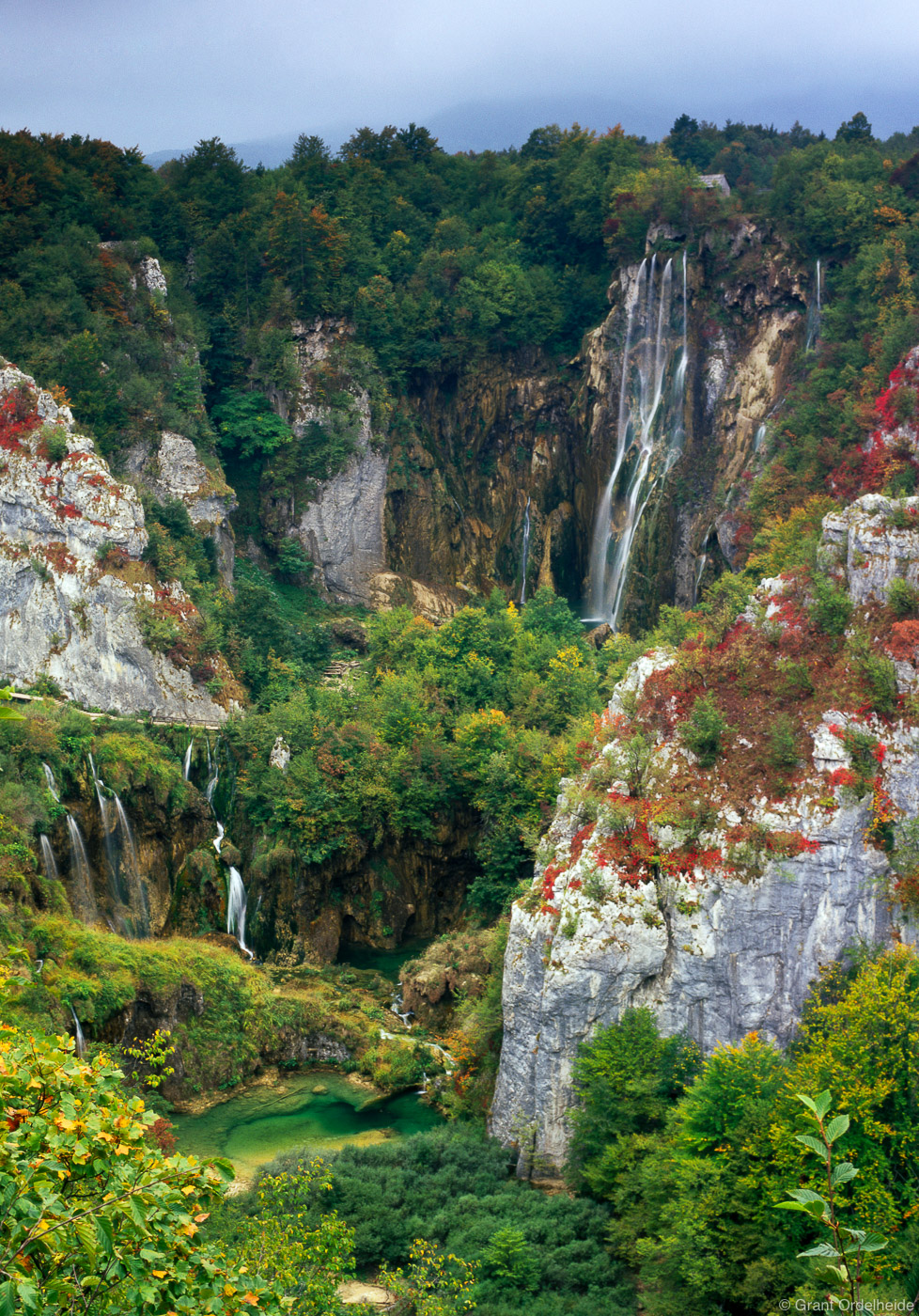 waterfalls, plitvice lakes national park, croatia, falls, foliage, fall, photo